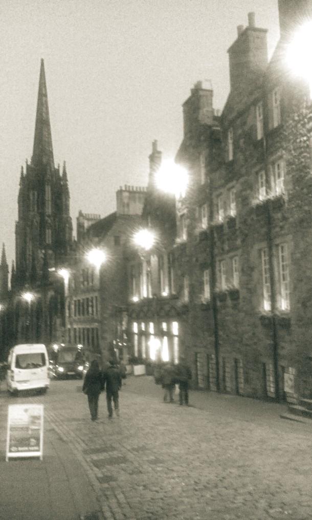 Edinburgh be night